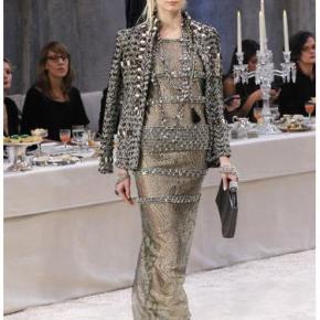 For your viewing pleasure: Pre-Fall 2012 (Oscar de la Renta &Chanel)