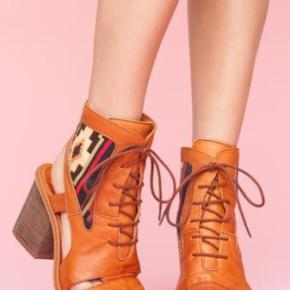 Shoesday Tuesday: Miista's Andrea CutoutBootie