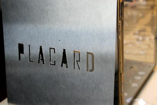 PLACARD-3