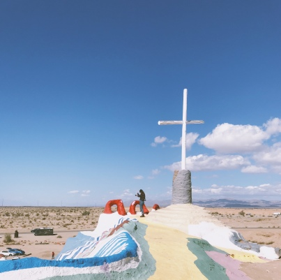 Lady-Goodman-salvation-mountain-California-travel-9